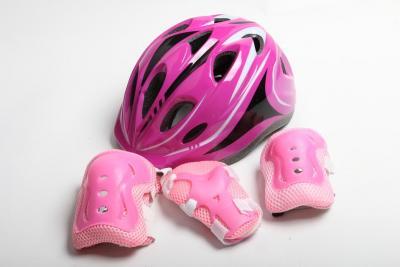 Шлем для роликов розовый с регулировкой размера + защита-фото